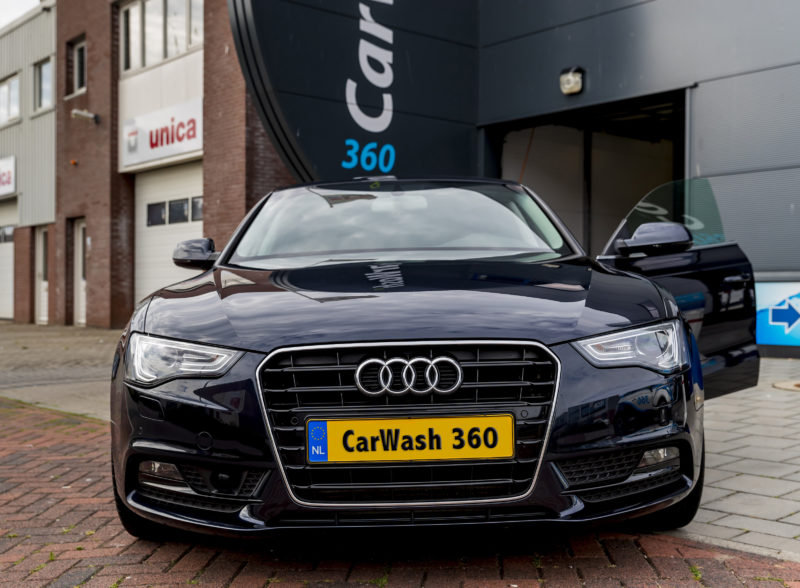 CarWash360 auto poetsen in showroom staat
