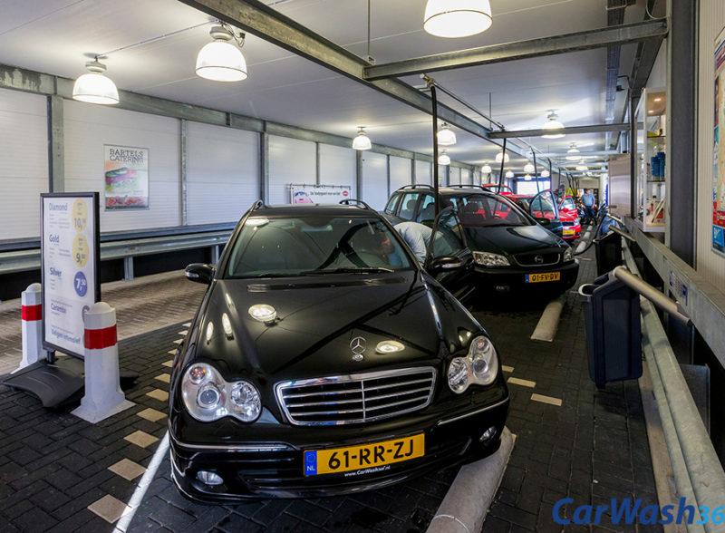 stofzuiger plein auto poetsen binnenkant