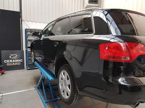 glascoating beschermt uw autolak en laat de auto diep glanzen